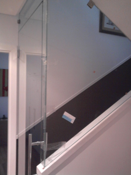 Acristalamientos torres divisiones interiores for Como cerrar una escalera interior